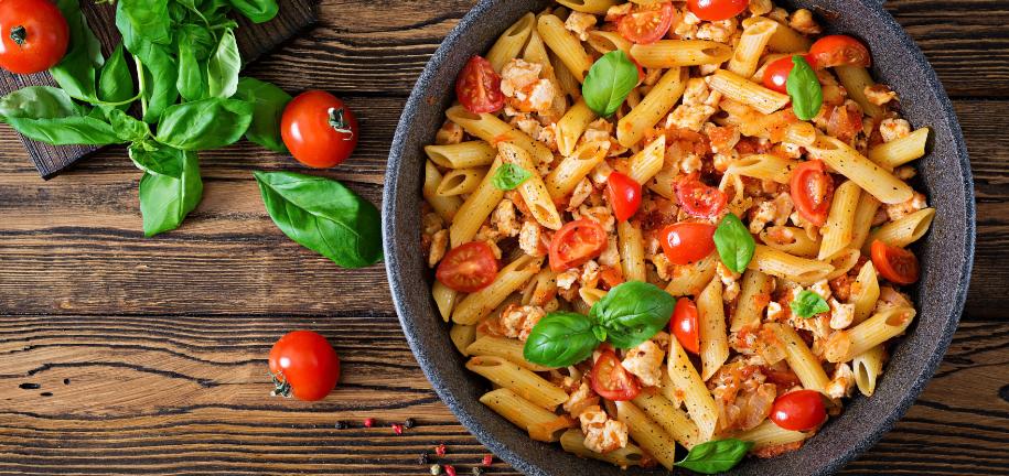 Magere eiwitrijke pasta met kip
